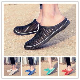 $enCountryForm.capitalKeyWord Australia - Hot Sale New Fashion Summer Leisure Beach Men Shoes High Quality Sandals Size:36-45 AKW2233