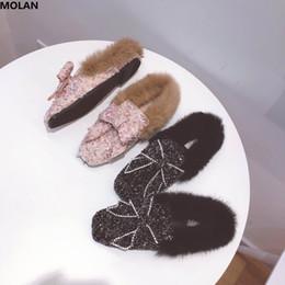 MOLAN Diseñadores de marca 2018 Moda de lujo Crystal Butterfly-nudo Mujer Pisos Zapatos Furry Slides Slip de cabello suave Mocasines