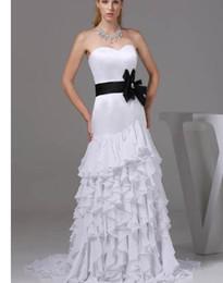Delicate Lace Back Wedding Dress Australia - Tiered Wedding Dresses Strapless Delicate Trumpet mermaid Floor-length Court