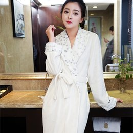New Fashion Women Luxury Fur Soft as Silk Long Flannel Bath Robe Winter  Warm Robes Dressing Gown Bride Bridesmaid Robes Wedding 2fd4e973b