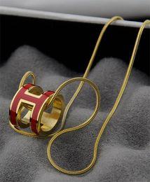 $enCountryForm.capitalKeyWord Australia - liruoxi1314 High Quality Celebrity design Letter necklace Silverware Fashion Metal Letter Pendant necklace Gold Silver Jewelry With Box