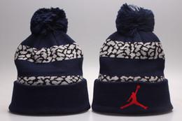 Venta de invierno Gorros de lana de moda Gorro de deporte al aire libre Gorros casuales para hombres Mujeres Gorras de deporte de invierno