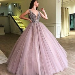 Celebrities wearing pearl pink dresses online shopping - Bling V Neck Beads Crystal Evening Dresses Tulle Arabic Saudi Pearls Party Dress Prom Wear Formal Pageant Vestidos De Festa Celebrity Gowns