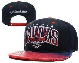 China 2018 hot sale snapback hats Hawks Adjustable Fashion Hat Snapback Cap Men Women Basketball Hip Pop Baseball caps high quality cheap hawks sale suppliers