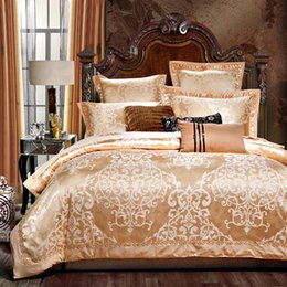 Chinese  Stain jacquard king queen size bedding sets red color Luxury wedding bed set noble bedclothes 4pcs duvet cover bed sheet set manufacturers