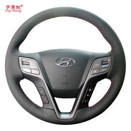 Venta al por mayor de Caso de cubiertas de volante de coche de cuero artificial Yuji-Hong para Hyundai SantaFe 2013 Funda de cosido a mano de gran IX45