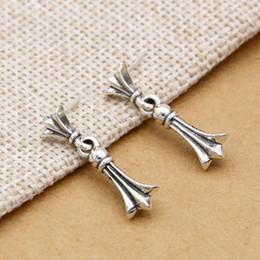 f711d55b8fc5 Lujo a estrenar joyería de la plata esterlina 925 mujeres del diseñador del  estilo del vintage americano para hombre pendientes del perno prisionero  encanto ...