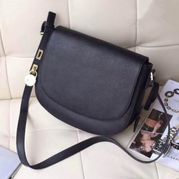 $enCountryForm.capitalKeyWord Australia - Hot 2018 brand single shoulder bag Fashion saddle bag The European and American designer best-selling women 100% high quality star with the