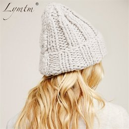 8b8cfc9105513 2018 fashion knitting wool hats women Casual streetwear skullies beanies  cap winter keep warm hat female D18110601