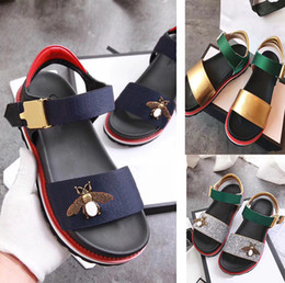 a730e23b50fb75 new thick bottom leather word with a band toe Little bee women sandals  female summer wild shoes comfortable European and American wave