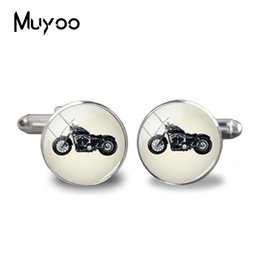Chinese  2018 New Motorcycle Cufflinks Riding Motorbike Silhouette Cuff Handmade Silver Round Glass Photo Jewelry Men Shirt Cufflinks manufacturers