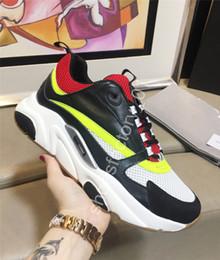 Vente en gros Hommes Chaussures De Luxe Marque Designer Chaussures Sneakers Toile Et Cuir De Veau Baskets De Mode Nouveaux Baskets B22 Trainer Techniques Chaussures De Tricot