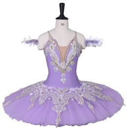 e6cf26cf35 Meninas adultas Tutus de Balé Profissional Roxo Ballet Clássico Traje  Mulheres Panqueca Azul Platter Concerto de Desempenho Crianças Vestido Tutu