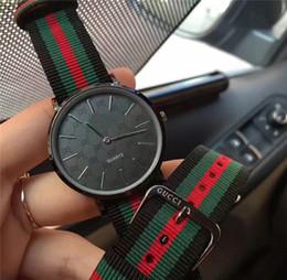 Унисекс часы горячей продажи красочные нейлон кварцевые мужские и женские дресс-код спортивные повседневные часы 40 мм черный лицо наручные часы