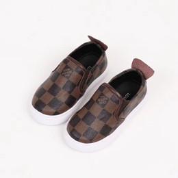 034b9f17c6f6f A 2018 Bébé Garçon Chaussures Sneakers Automne Solide enfants garçons Crib Chaussures  Bébé En Cuir Chaussures Toddler Mocassins Bébé Fille Premier Walker ...