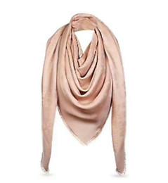 Marca de lujo Bufanda de diseño de hilo de plata de las mujeres Bufanda de lana bufanda de diseño Chal Ladies Warm Bufandas Tamaño 140x140 cm sin caja A-220