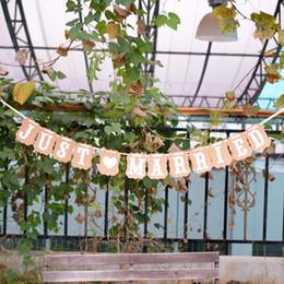 $enCountryForm.capitalKeyWord Canada - Christmas Decor Wedding Decoration Vintage JUST MARRIED Wedding Card Banner Photo Props Bridal Party Decoration Casamento