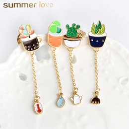 $enCountryForm.capitalKeyWord Australia - Unique Design Plant Prickly Pear Cactus Clothing Collar Sweater Pendant Brooch Pin for Women Kids Gold Plating Alloy Jewellry Charm