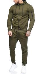 $enCountryForm.capitalKeyWord Canada - 2018 New Men's Outdoor Sports 2 Piece Set Leisure Fashion sweater suit Zipper Jacket Male Fitness Tracksuit