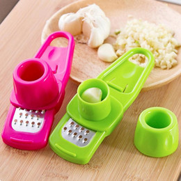 portable slicer Canada - portable multifunctional garlic Presses kitchen gadgets vegetable slicer cooking tools mini cutter Ginger Garlic Grinding Grater