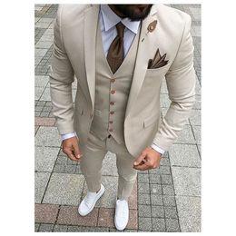 Toptan satış Moda Damat Smokin Çentik Yaka Yakışıklı Groomsmen Bej Suits Fit Man Suit Düğün / erkek Damat (Ceket + Pantolon + Yelek + Kravat) No: 38