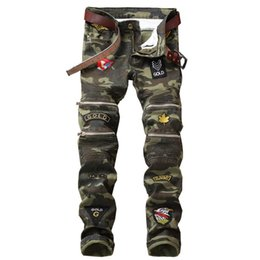 Discount army badges - New Dropshipping Patchwork Badge Biker Jeans Men Camouflage Slim Fit Motocycle Denim Trousers Straight Washed Multi Zipp