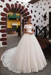 2018 Glamorous Lace Appliques A,ligne Robes De Mariée Princesse Romantique  Manches Courtes Train Chapelle Robe De Mariée Robe De Mariage