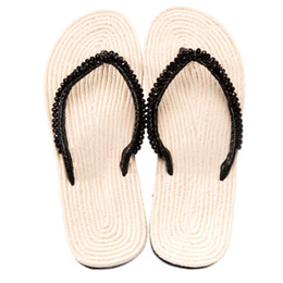 China Litthing Women Slippers Beach Shoes 2018 Summer Flip Flops Footwear Pearl Slippers Ladies Flats Shoes Thin Flat Sandal For Women cheap flat slippers for ladies suppliers