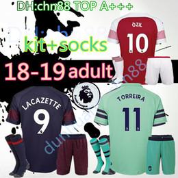a32481fd6cd 2018 2019 Arsenal new Gunners armory OZIL soccer jersey 18 19 kit+socks  ALEXIS WILSHERE GIROUD CHAMBERS XHAKA home soccer shirt kits