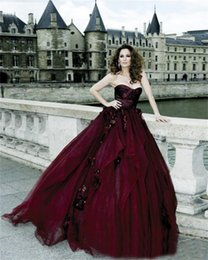 Sweethearts Ball Australia - Victorian Gothic Wedding Dresses Ball Gown Tulle Sweetheart With Hand Made Flowers Burgundy Halloween Bridal Gowns vestido de novia