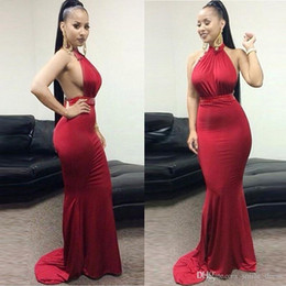 b4a92429b62 Дешевые темно-красный Русалка вечерние платья Африканский сексуальный  Холтер стрейч ткань с бисером створки длиной до пола длинные вечерние платья  ...