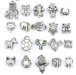 Mix Style Beads Antique Silver Chapado en aleación de Big Hole Charms granos del espaciador en forma pandora pulsera DIY joyería collares colgantes encantos en venta