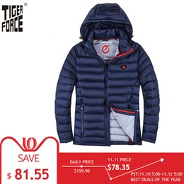 Jacket Tiger NZ - TIGER FORCE 2018 Winter Jacket Men Polyester Coat Bio-based Cotton Padded Coat Fashion Causal Jacket Male Hooded Puffer Jacket C18111201