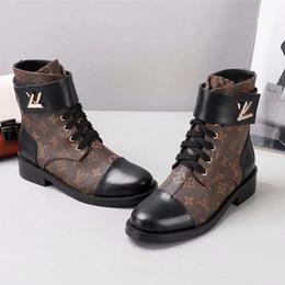 Vente en gros 2018 livraison de luxe designer femmes chaussures en cuir de qualité supérieure et semelles robustes confort ventilation loisirs dame bottes de Martin taille 35-41