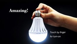 Wholesale LED Bulb Light Emergency Bulb Home Power Livestock Battery rechargeable Outdoor Mobile Lighting Night Market