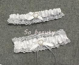 Ensemble jarretière en dentelle pour mariée avec petit nœud de mariée cadeau de dentelle de bal chic (2 jarretières) extensible 16-23 pouces en Solde