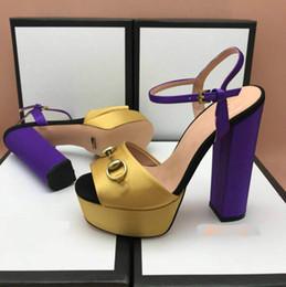 dbefd34a5d Sandálias de salto grosso plataforma à prova d  água de espessura de  correspondência de cores super de salto alto top de luxo das mulheres  sapatos de salto ...