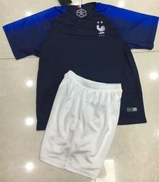 2 estrellas GRIEZMANN MBAPPE POGBA niños Camisas de golf 18 19 DEMBELE  MARTIAL KANTE camisetas b2407f164d595