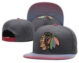 Hombres de color gris Vintage Chicago Blackhawks Snapback Hat Logo bordado  Deporte NHL Ajustable Gorras de hockey sobre hielo Sombreros de béisbol  planos 59aeaa07a6b