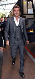 $enCountryForm.capitalKeyWord Canada - Gray Three Pieces Groom Suit Custom Made Tuxedos For Men Groomsman Bridegroom Wedding Best Man Suits ( jacket+Pants+vest+tie) S18101903
