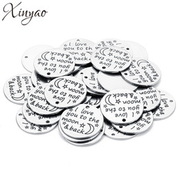 Stamping dog tagS wholeSale online shopping - XINYAO pc Stainless Steel Dog Tags Silver Tone Pendants Stamping Tag Round Word Charm for DIY Necklace Making Findings