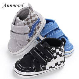 $enCountryForm.capitalKeyWord Canada - New Born Baby Boots Fashion Sneakers Toddler Boys Booties Infant Leather Baby Shoes Soft Sole Lattice Chinelo Infantil Shower
