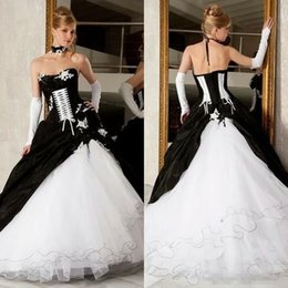 Discount victorian red wedding dress corset Vintage Black And White Ball Gowns Wedding Dresses 2017 Hot Sale Backless Corset Victorian Gothic Plus Size Wedding Brid