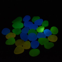 artificial aquarium decor NZ - Garden Decorations 100pcs Garden Outdoor Pebble Luminous Rocks Aquarium Fish Tank Decor Glow In The Dark Stones Green