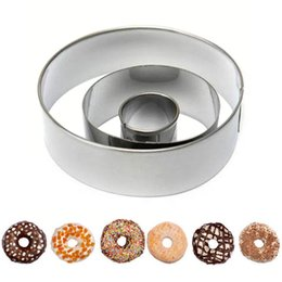 $enCountryForm.capitalKeyWord UK - Wholesale- 3pcs Set Circle Round Shaped Donut Mold Aluminium Mold Biscuit Cookie Cake Pastry Baking Cutter Mould Bakeware Decorating Tool