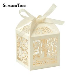 $enCountryForm.capitalKeyWord UK - 50pcs Deluxe Candy Boxes Party Wedding Favor Laser Cut Pearl Paper Ribbon Gift Box Bombonera Classical Bird Style Marriage Birt