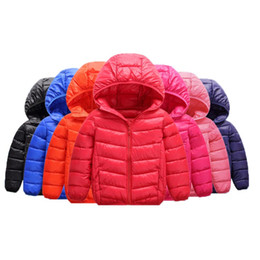 Chinese  Hot 2018 Autumn And Kids Winter New Fashions Eiderdown Light Feather Down Jacket For Girl And Boys Hat Hookets Baby Clothes manufacturers