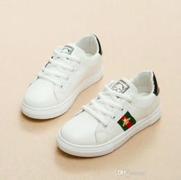 d132071dc En rebajas Niño Niño Niños Chica Zapatillas de deporte de cuero Bebé Moda  Niños blancos Transpirables Zapatos deportivos Niños Zapatos casuales