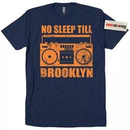 Não Durma Até Brooklyn Beastie Boys Nova Iorque NY 80 MTV cd mixtape rap camiseta 2018 Marca T-Shirt Homme T-shirt T-Shirt de Manga Curta Top venda por atacado