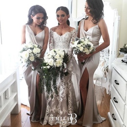 bridesmaid dresses dubai Australia - Sexy Side Split Bridesmaids Dresses Deep V-Neck Pleated Satin Mermaid Wedding Party Dress Glamorous Floor Length Dubai Maid Of Hornor Dress